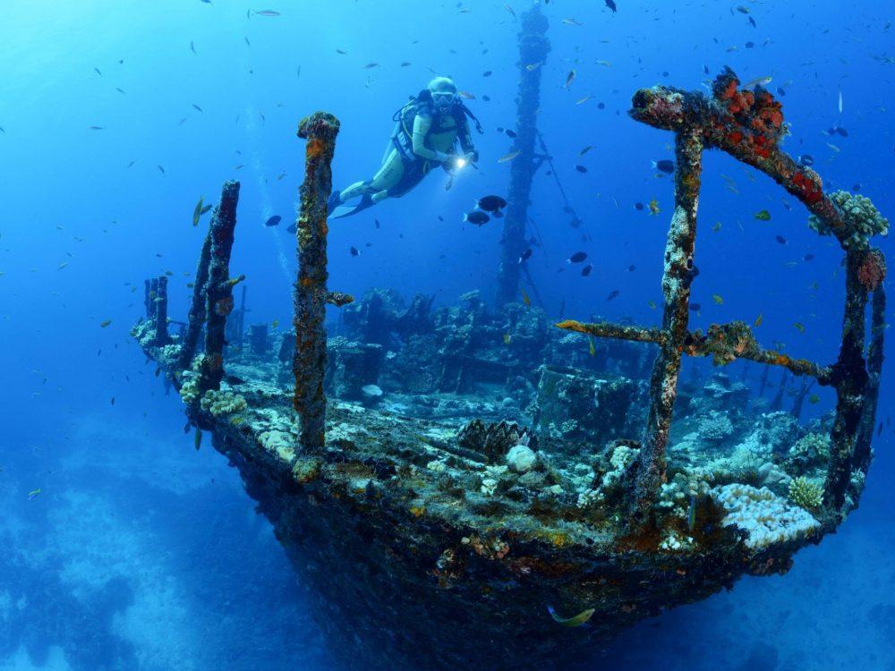 Wreck dive.sml